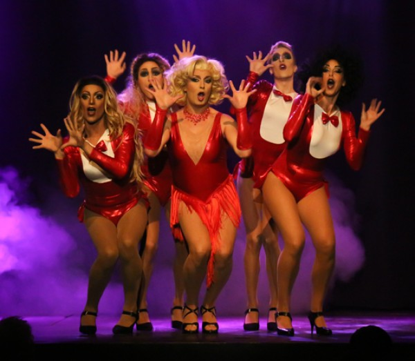 El Teatro Aquarella presenta el music-hall Kosmic Girls en Barcelona